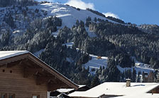winter blick skiwelt appartement haus bambi ellmau